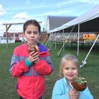Caramel Apples from Mommsen's Pumpkin Patch