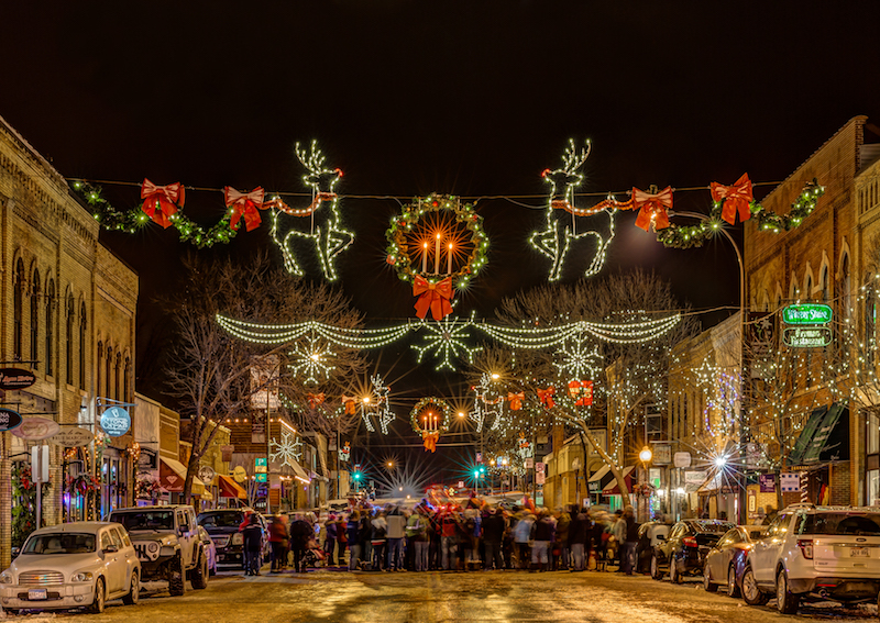 Holiday Decorations in Downtown Hudson